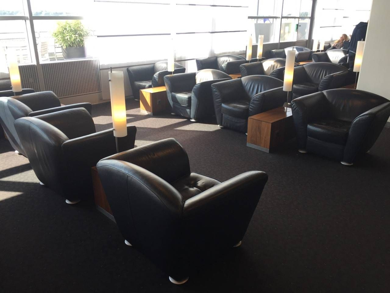 Lufthansa Senator Lounge Hamburg-015