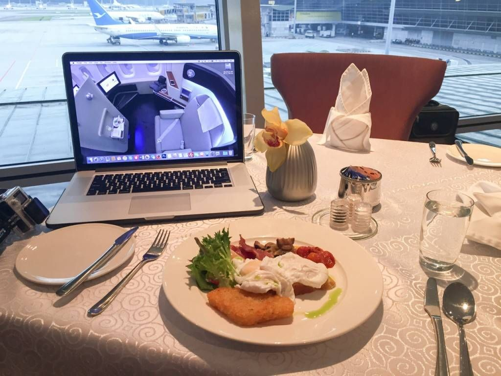 Malaysia Airlines Golden Lounge First Class Kuala Lumpur -031