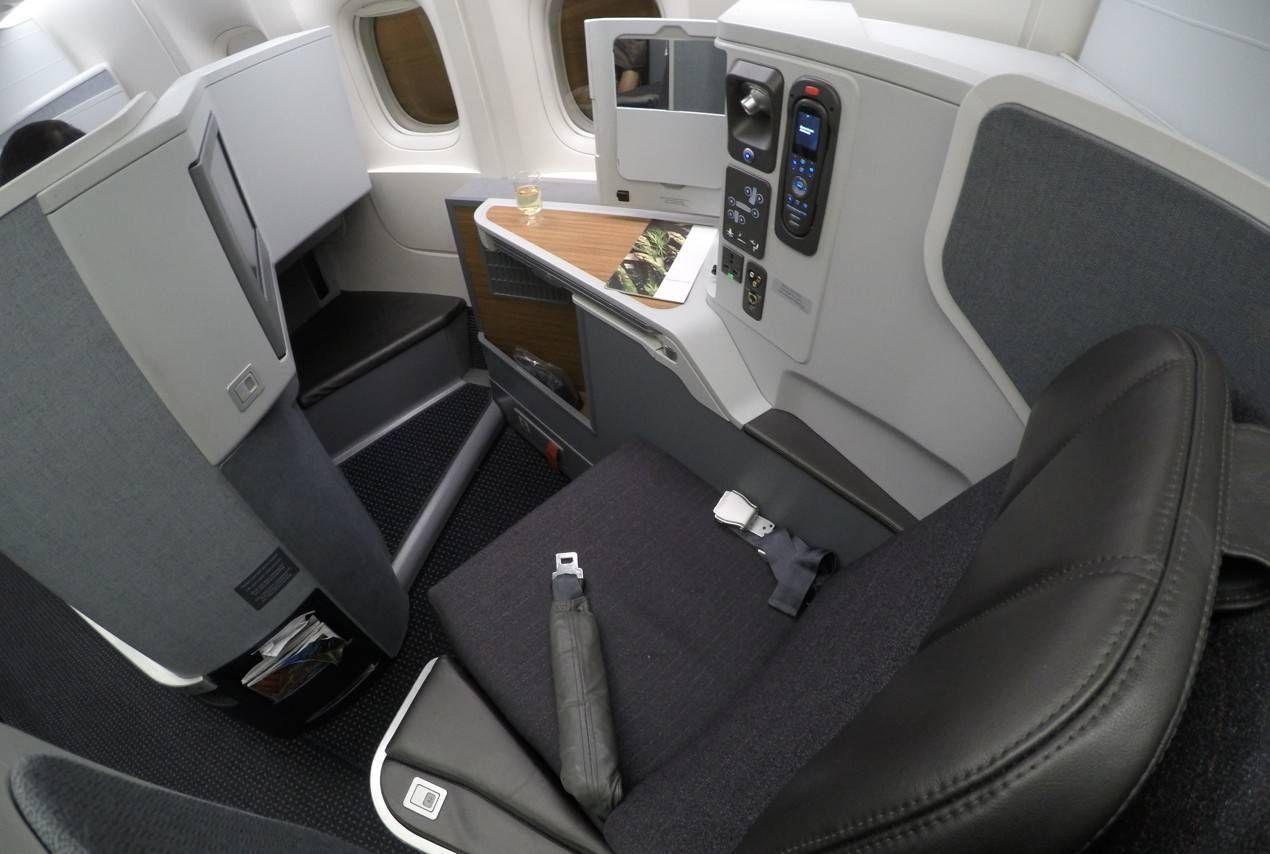 Classe Executiva da American Airlines no B77W – Dallas para São Paulo