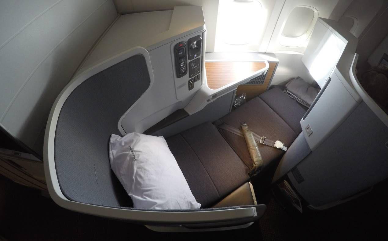Classe Executiva da American Airlines no B77W – Hong Kong para Dallas