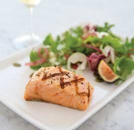 United Airlines aprimora serviço de jantar nos voos e aeroportos