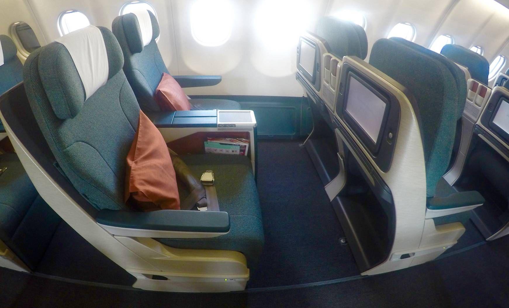 Classe Executiva da Cathay Pacific no A330 (regional) – Bangkok para Hong Kong