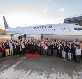 United Airlines Saúda Funcionários Veteranos de Guerra com Voo de Entrega do Boeing 737