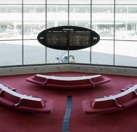 Por dentro do moderno e futurista terminal da TWA no aeroporto de JFK em Nova York