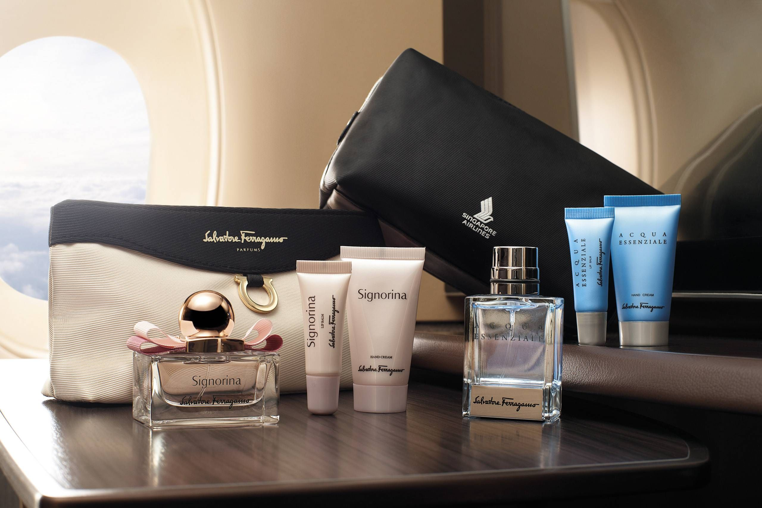 4A_SingaporeFerragamo-Amenity-Kit_Male-and-Female-Products