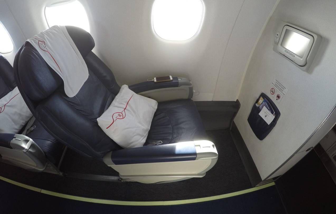 Classe Executiva da Kenya Airways no E190 – Nairobi para Zanzibar