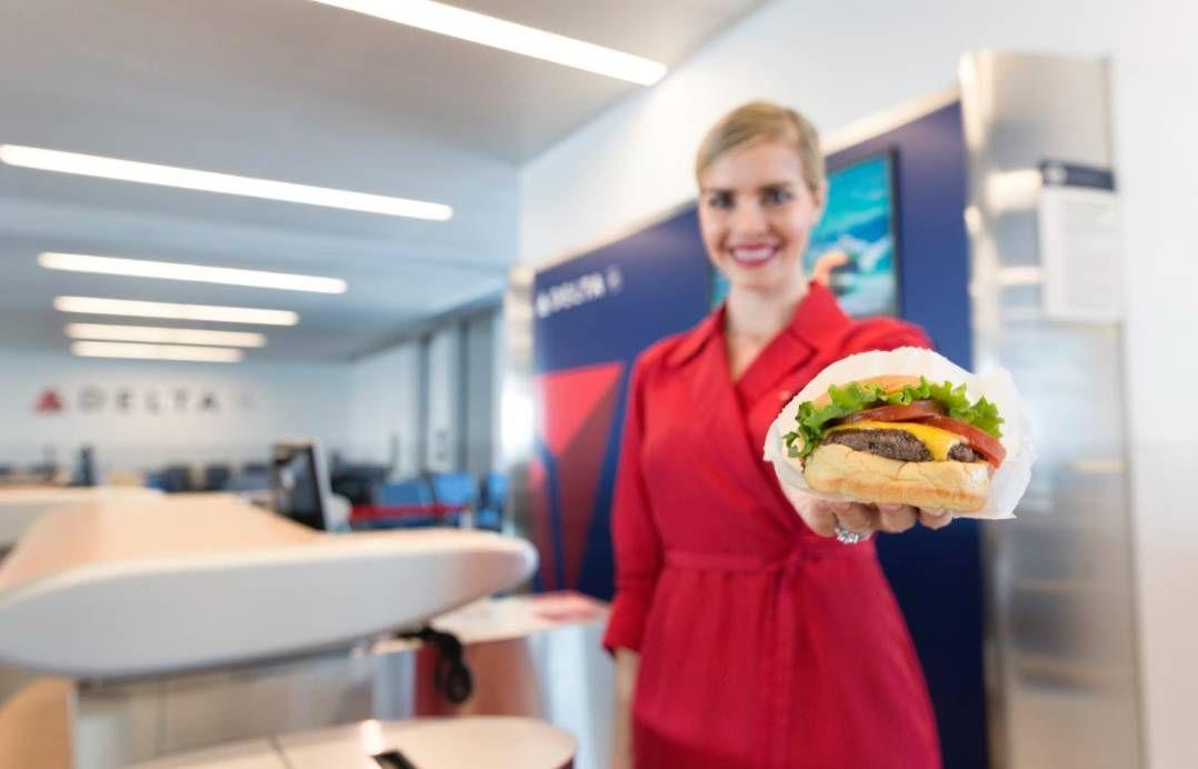 Delta vai oferecer hamburgueres do Shake Shack a bordo