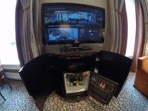 TV e minibar