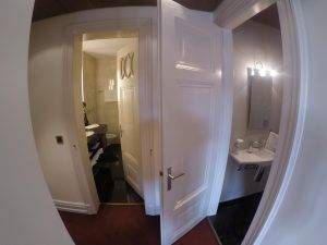 Banheiro com vaso