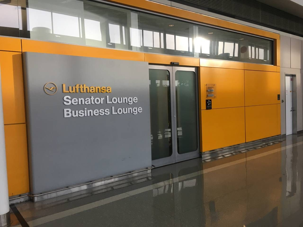 Lufthansa Business e Senator Lounge – Aeroporto de Washington (IAD)