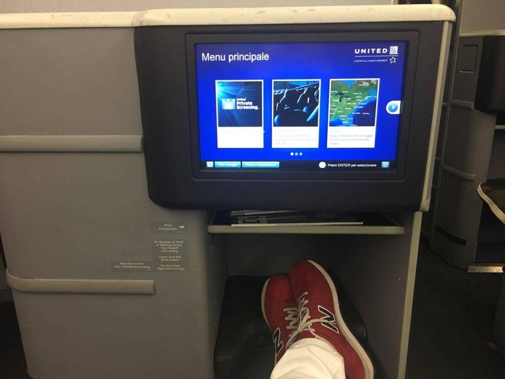 united-b767-400er-businessfirst-06