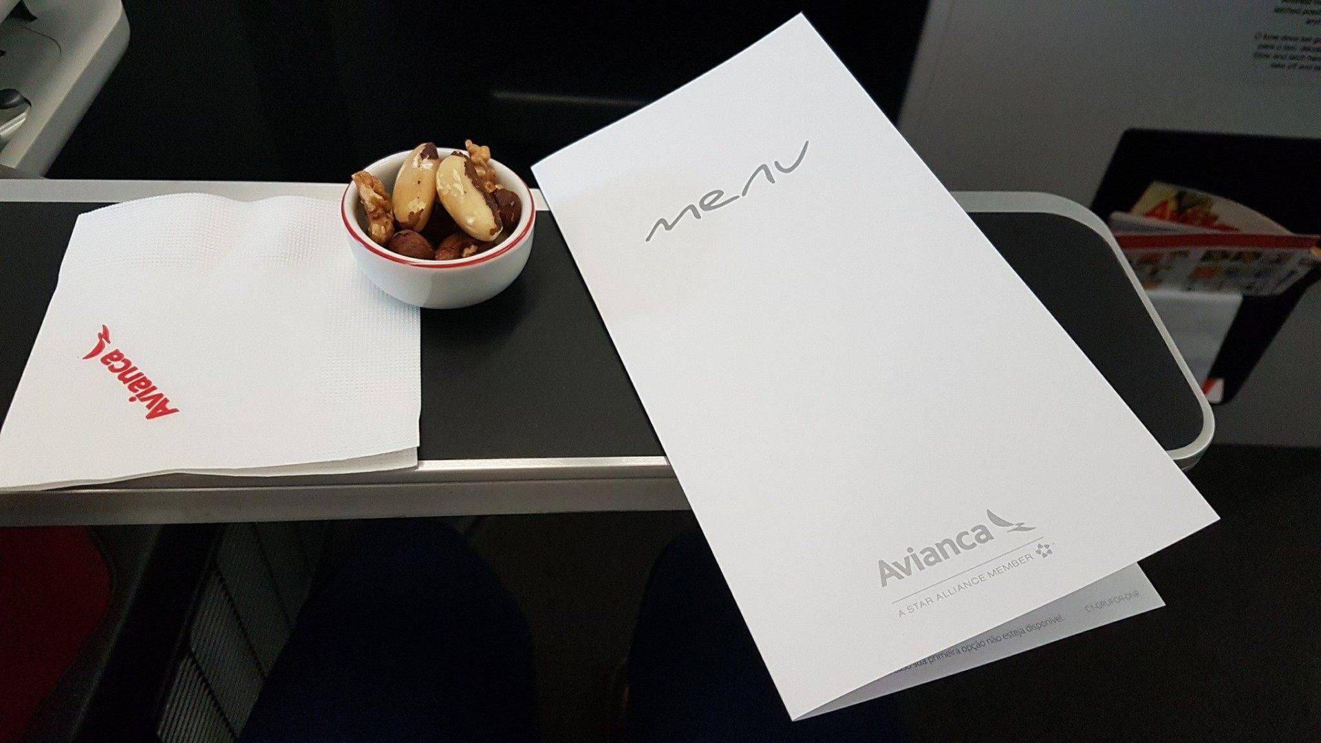 Avianca Brasil divulga fotos do serviço de refeição da classe executiva entre São Paulo e Miami