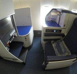 Classe Executiva da All Nippon Airways (ANA) no B77W – Tokyo para Pequim
