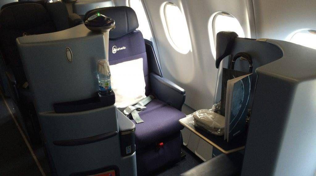 Air Berlin está leiloando assentos da classe executiva e até chocolates para pagar as dívidas