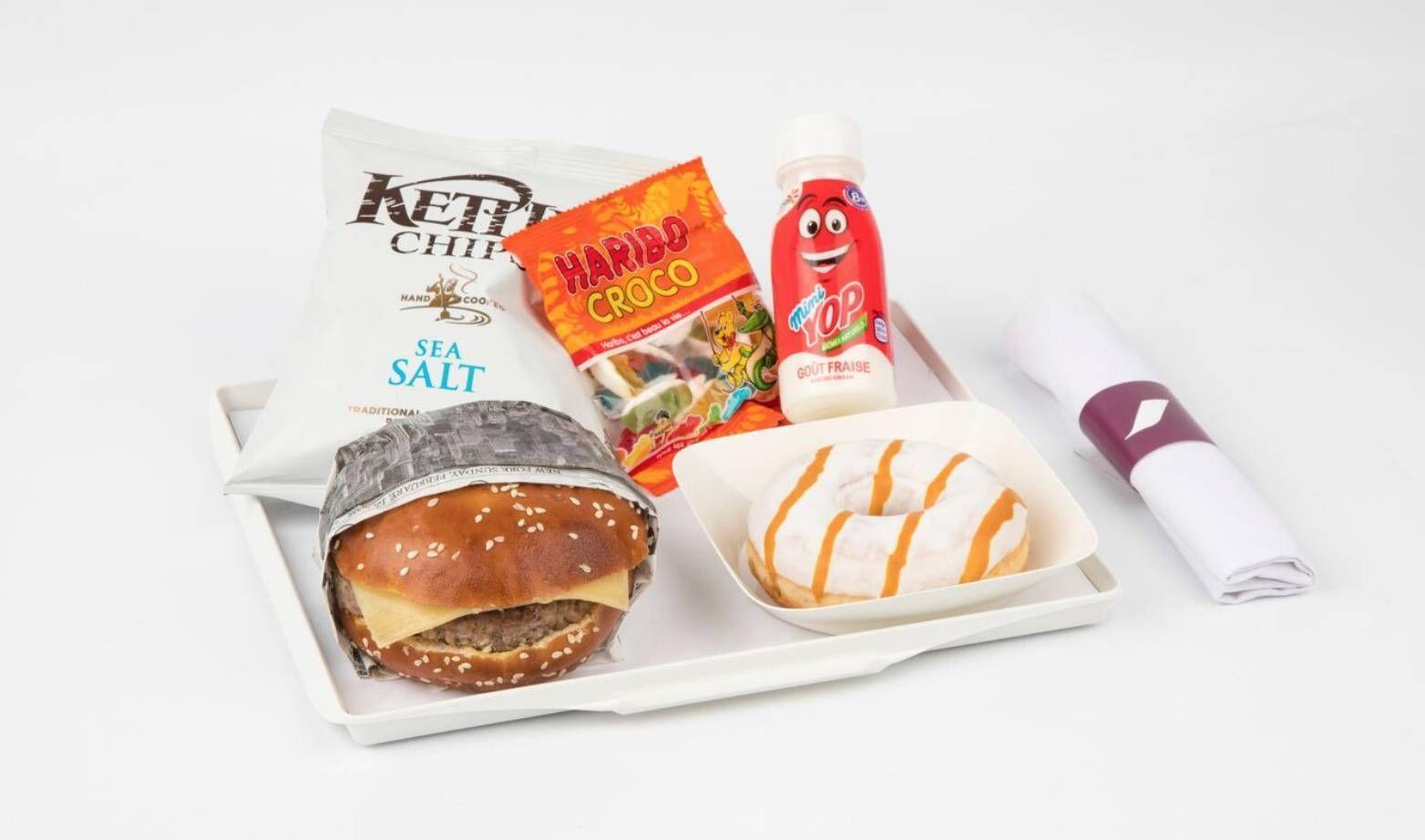 Air France vai servir cheeseburger e donuts na classe econômica