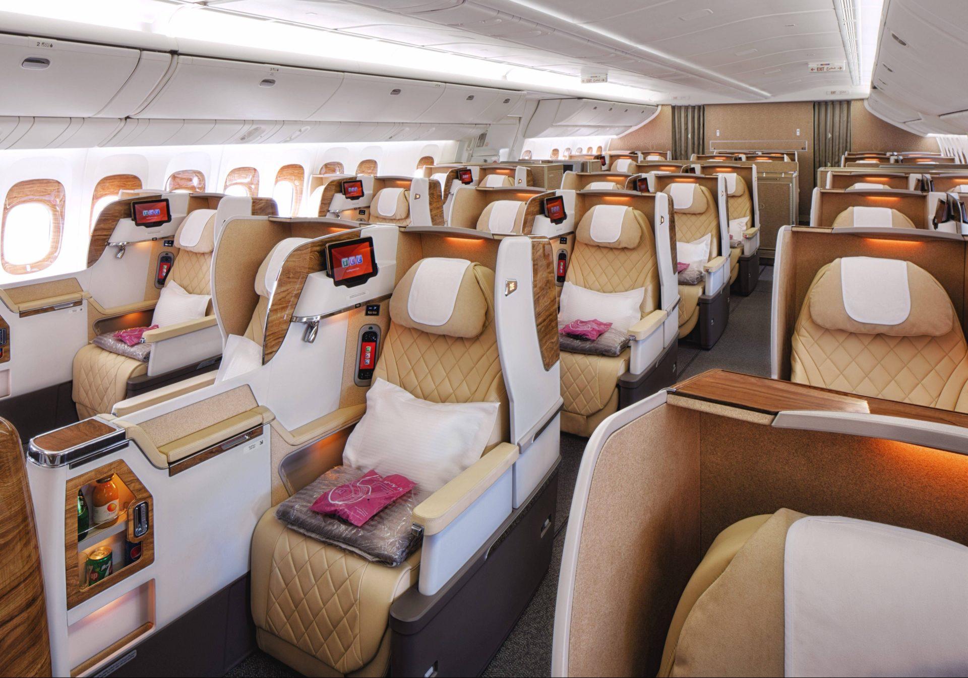 Confira como foi o retrofit do B777 da Emirates que está voando para o Brasil