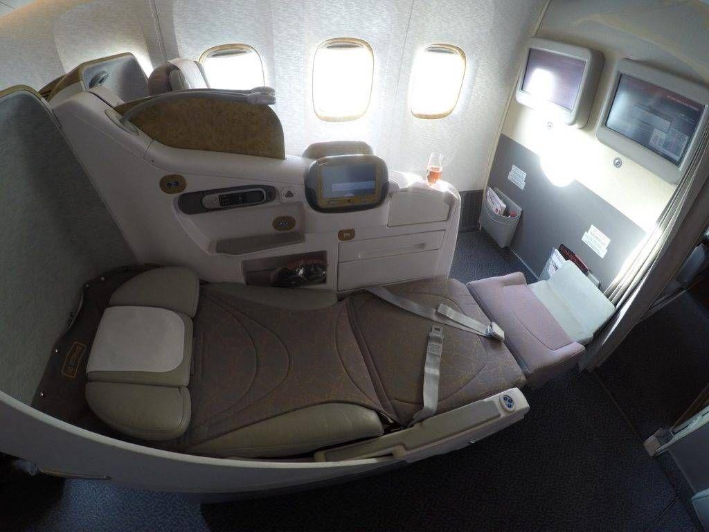 emirates 77w