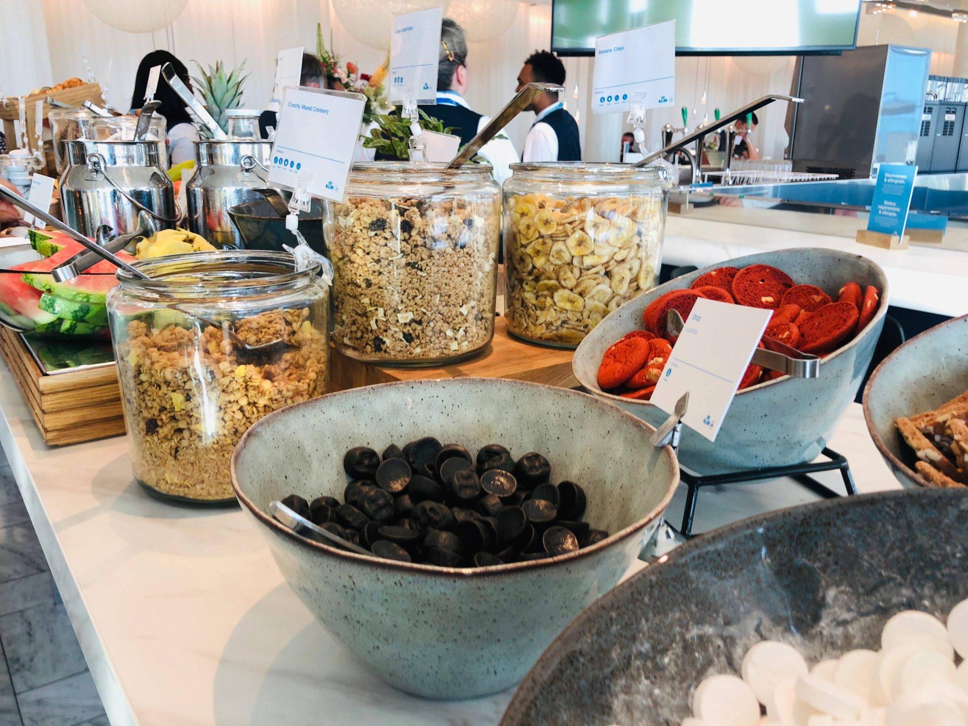 KLM Crown Lounge buffet