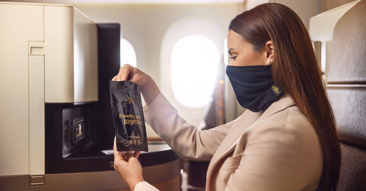 Etihad Airways máscaras especiais