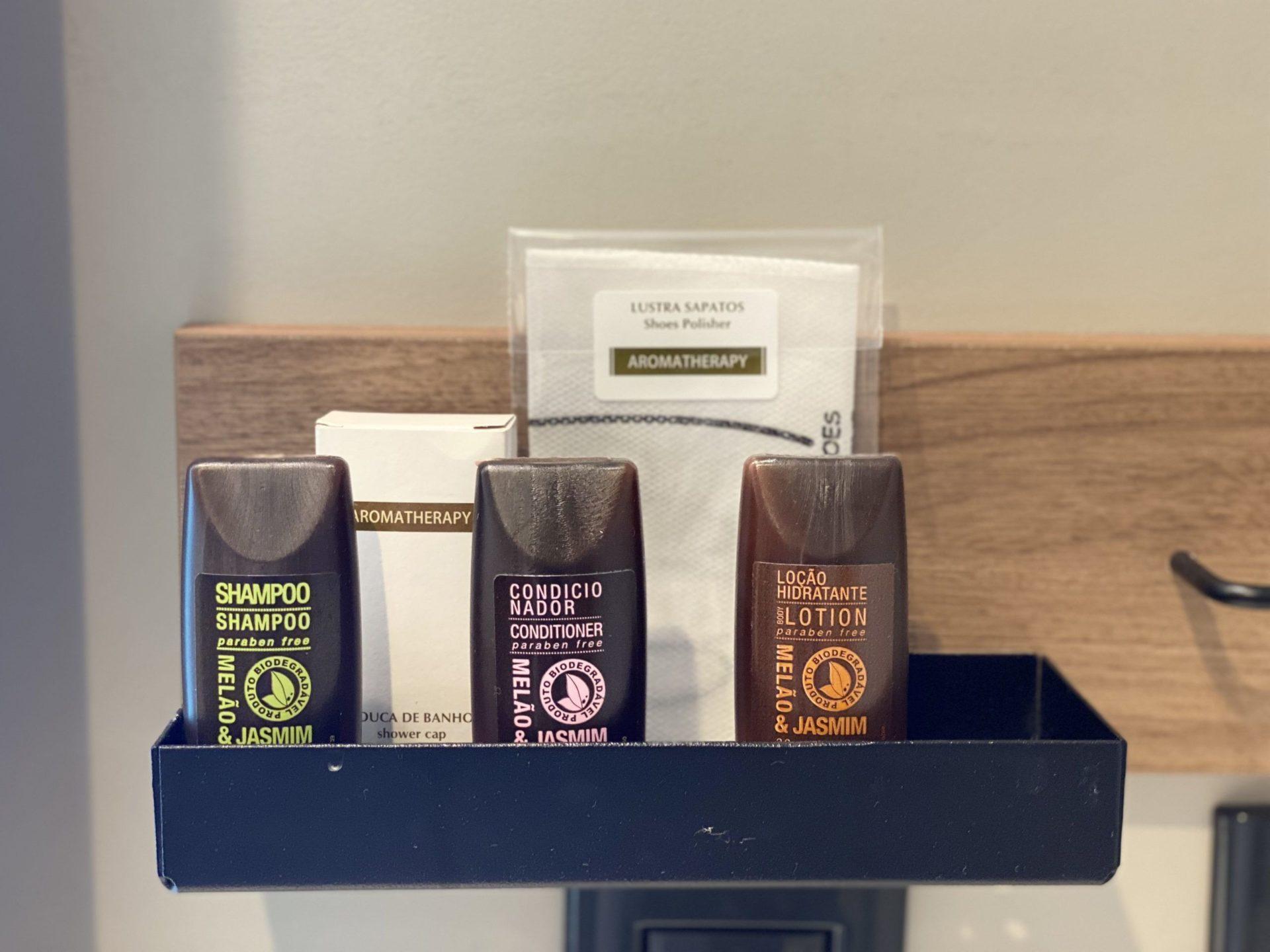 Grand Mercure sp Itaim Bibi amenities shampoo condicionador