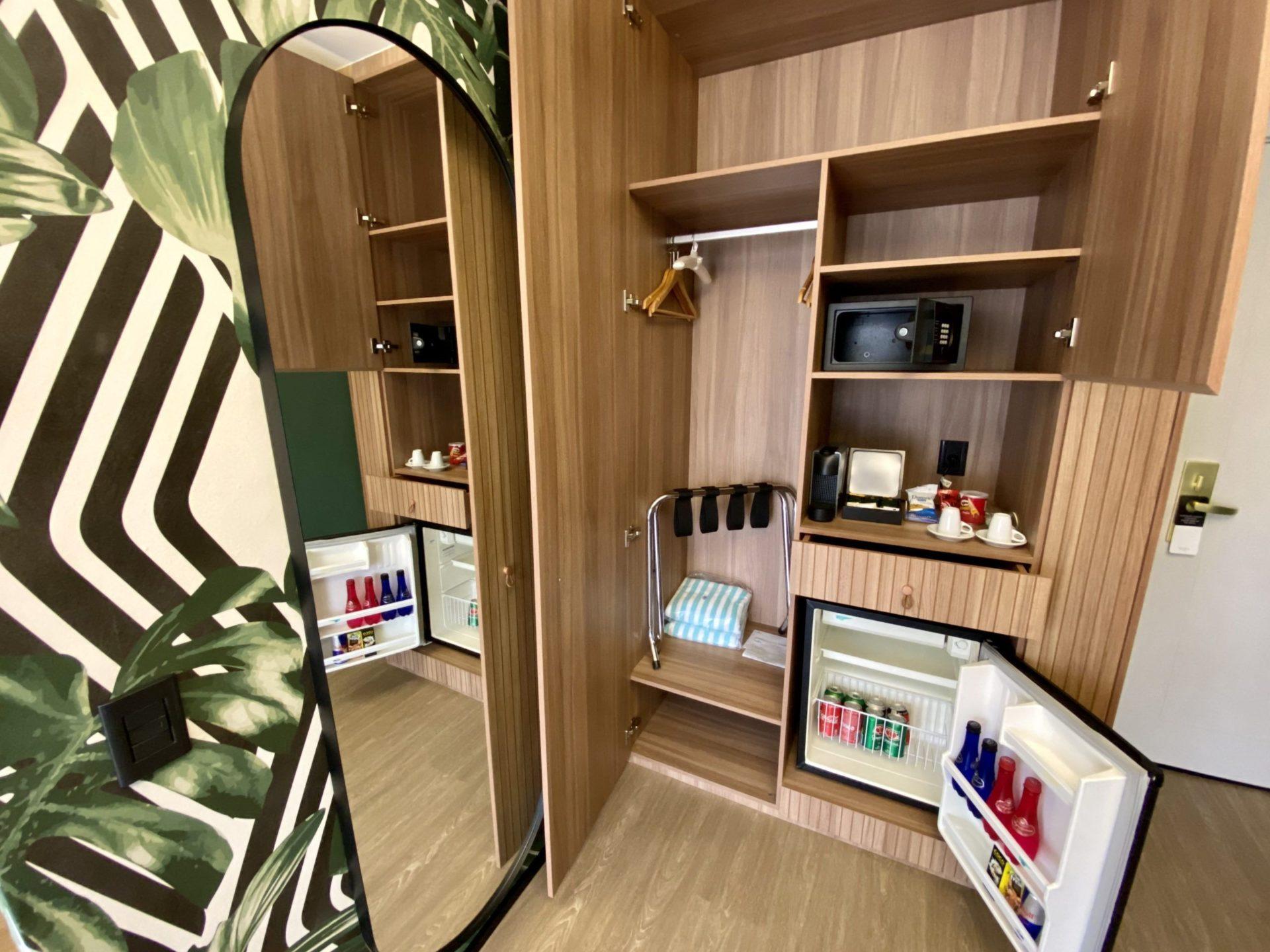 Grand Mercure sp Itaim Bibi frigobar e máquina de café