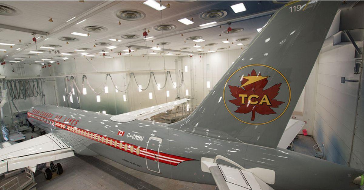 Air Canada A220 retrô