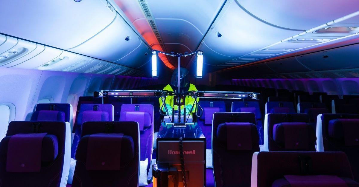 Qatar Airways UV