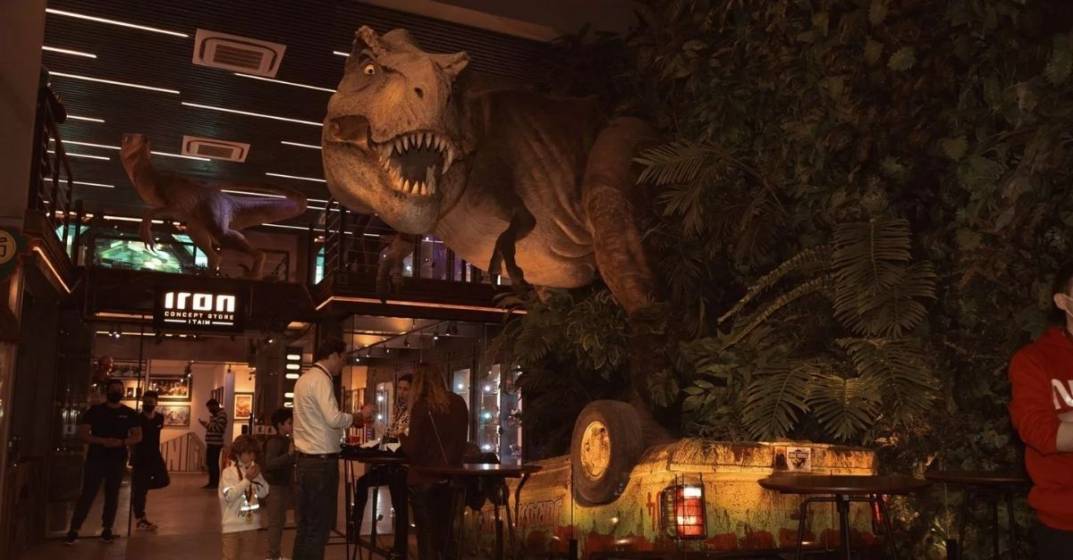 Jurassic Park Burger Restaurant (2)